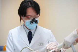 拡大鏡使用の根管治療